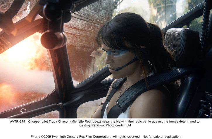 Avatar je už oficiálne najziskovejším filmom všetkých čias!
