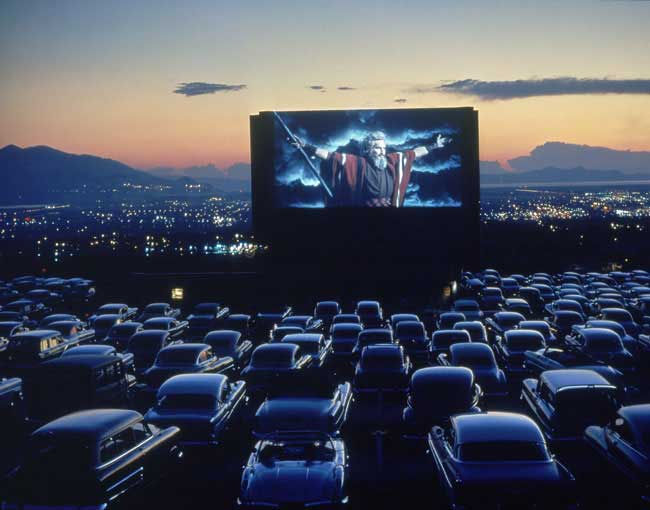 Drive-In Kino-ako to funguje?