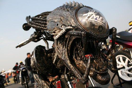 Votrelec na motorke – alebo ako sa Jano do ústavu dostal..