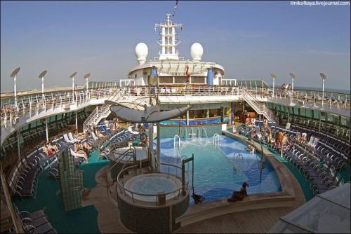 Photo-tour-of-the-Impressive-Cruise-Ship-Brilliance-of-the-Seas-027