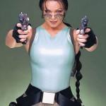 105x Lara Croft + 210 mliečnych žliaz