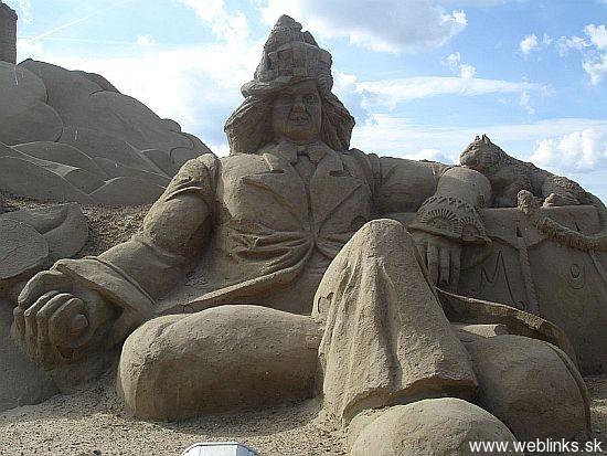 sand-sculpture-23_xYfcp_11446