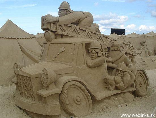 sand-sculpture-30_sxHX1_11446