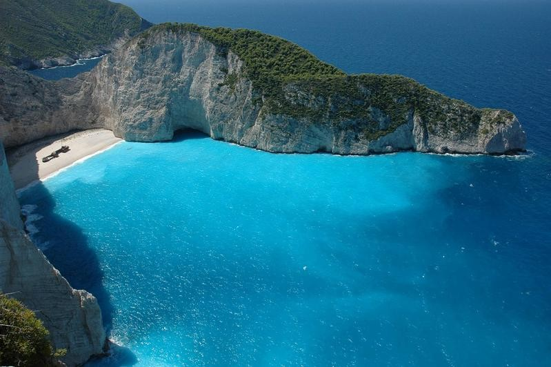 nicest-beach-in-the-wrold-shipwreck-beach-smugglers-cove-navagia-beach-zakynthos-greece