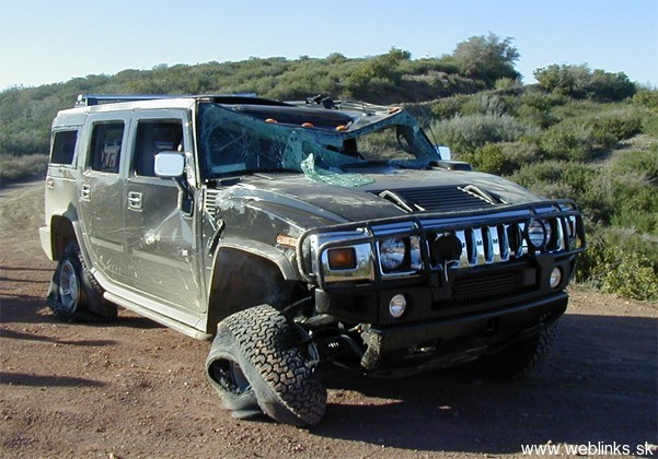 1834-Wrecked_2011_Hummer_H2