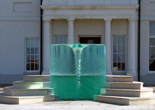 whirpool-fountain