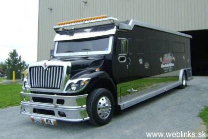 1288763850_vault-xxl-armored-limousine_snhnx_54