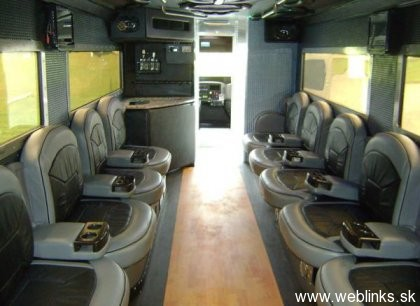 1288763897_vault-xxl-armored-limousine_abhjz_54