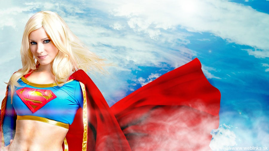 supergirl_by_enjinight-d422stp