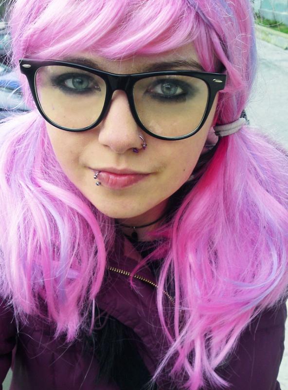pink_hair_xD_by_megstrangler