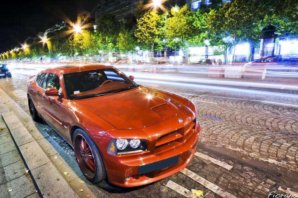 Šialené fotky šialených áut: Ferrari, Aston Martin, Porsche, Lamborghini, Mercedes SLK, Veyron…