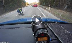 Polícia použila proti opitému šoférovi klincové pásy